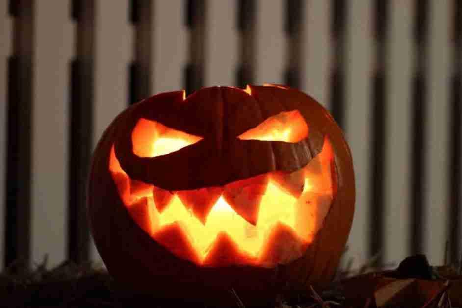 Scary glowing jack o'lantern