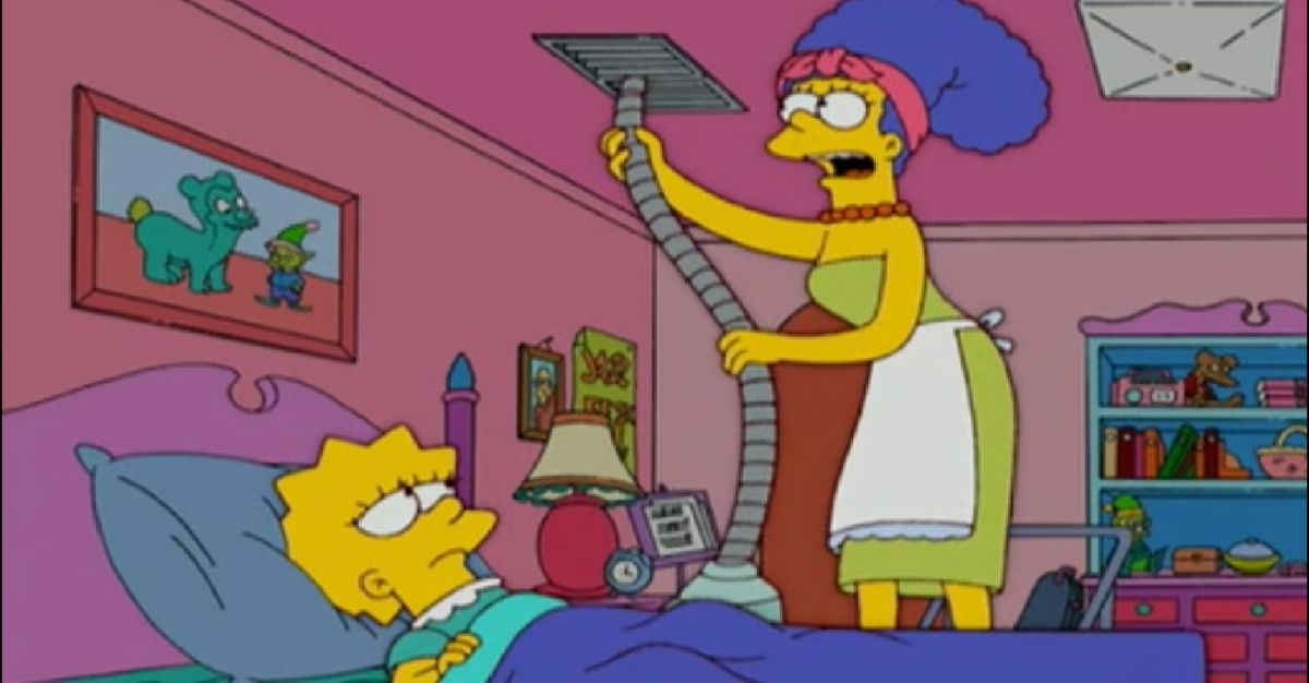 Marge simpson cleaning before cleaning lady comes